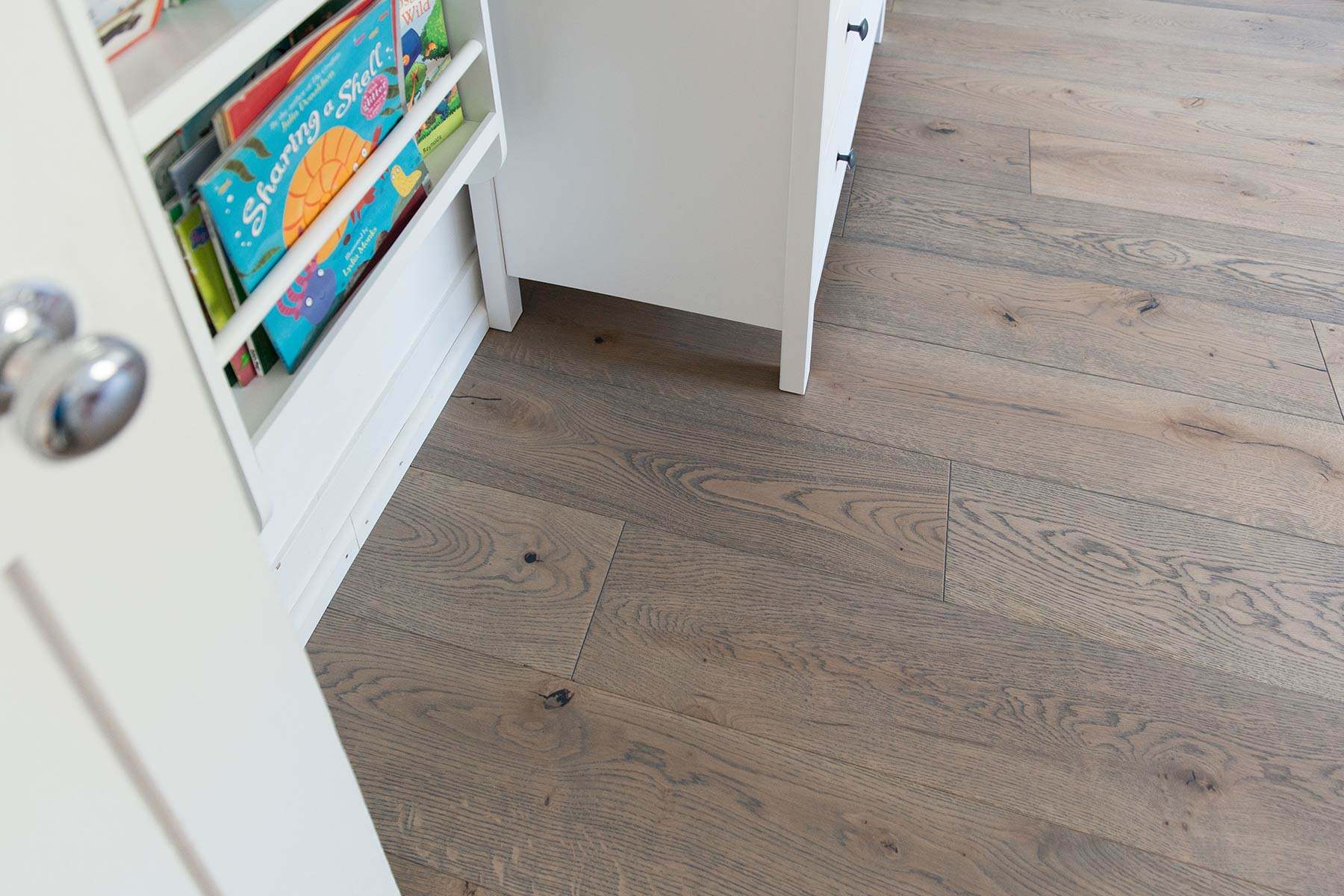 The london wood flooring co - Deco Frozen Umber Wood Floors Deliver Soft Serene Bedroom Style In This London Home