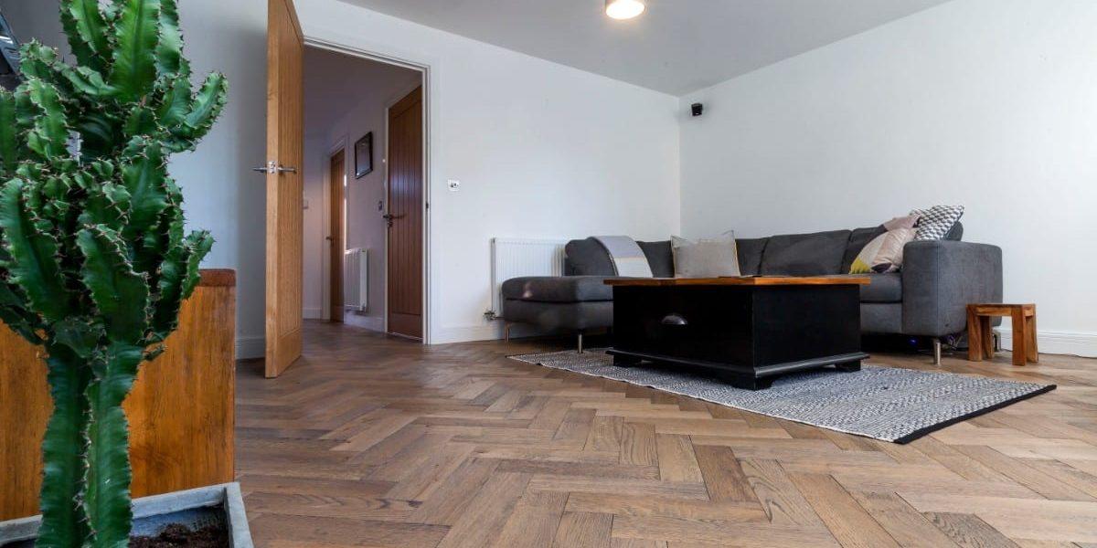 zigzag frozen umber oak floors in manchester home 6