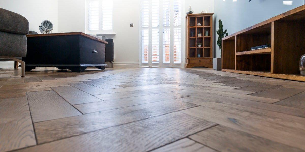 zigzag frozen umber oak floors in manchester home 12