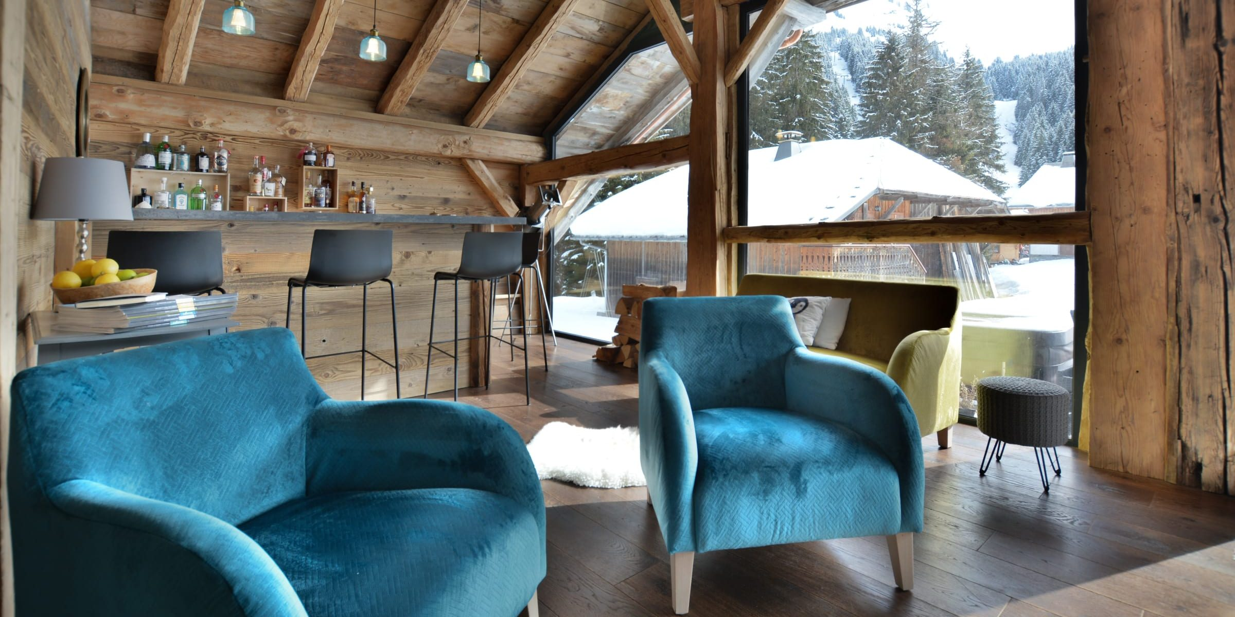 Ski chalet with urban nature wood floors 5