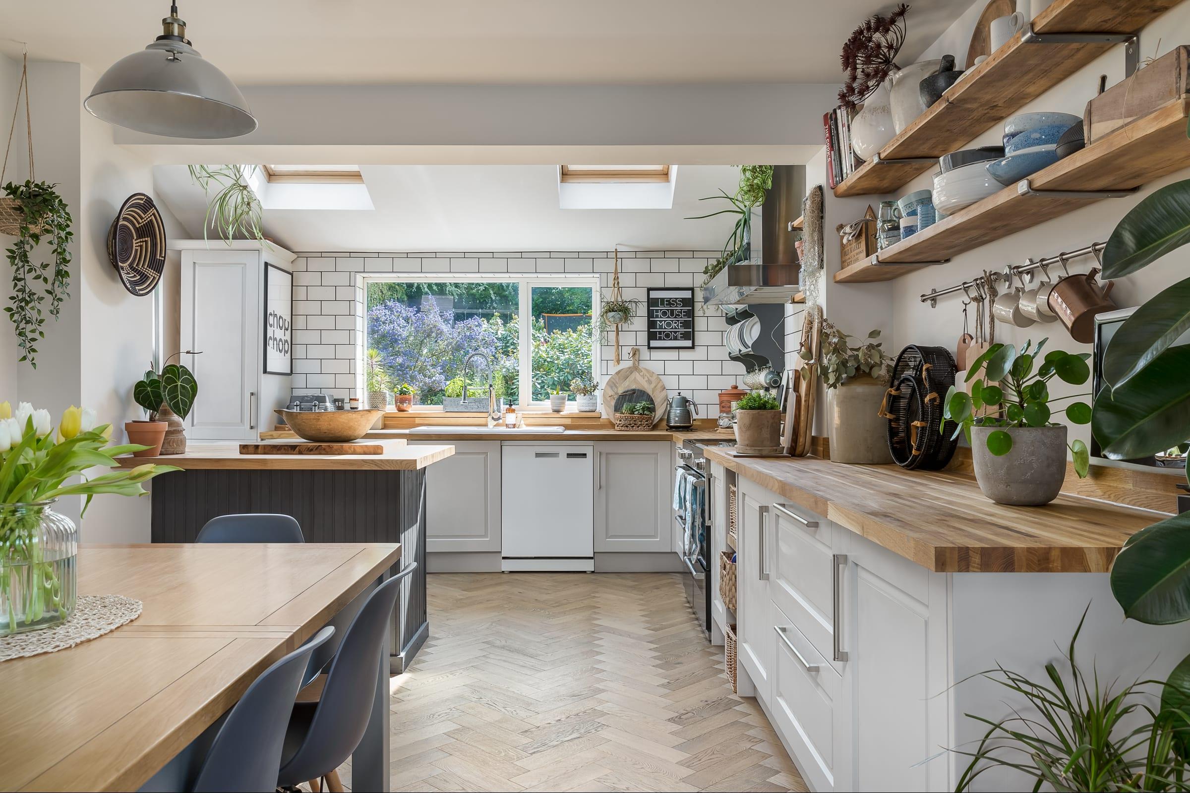 kitchen with zigzag frozen umber 1