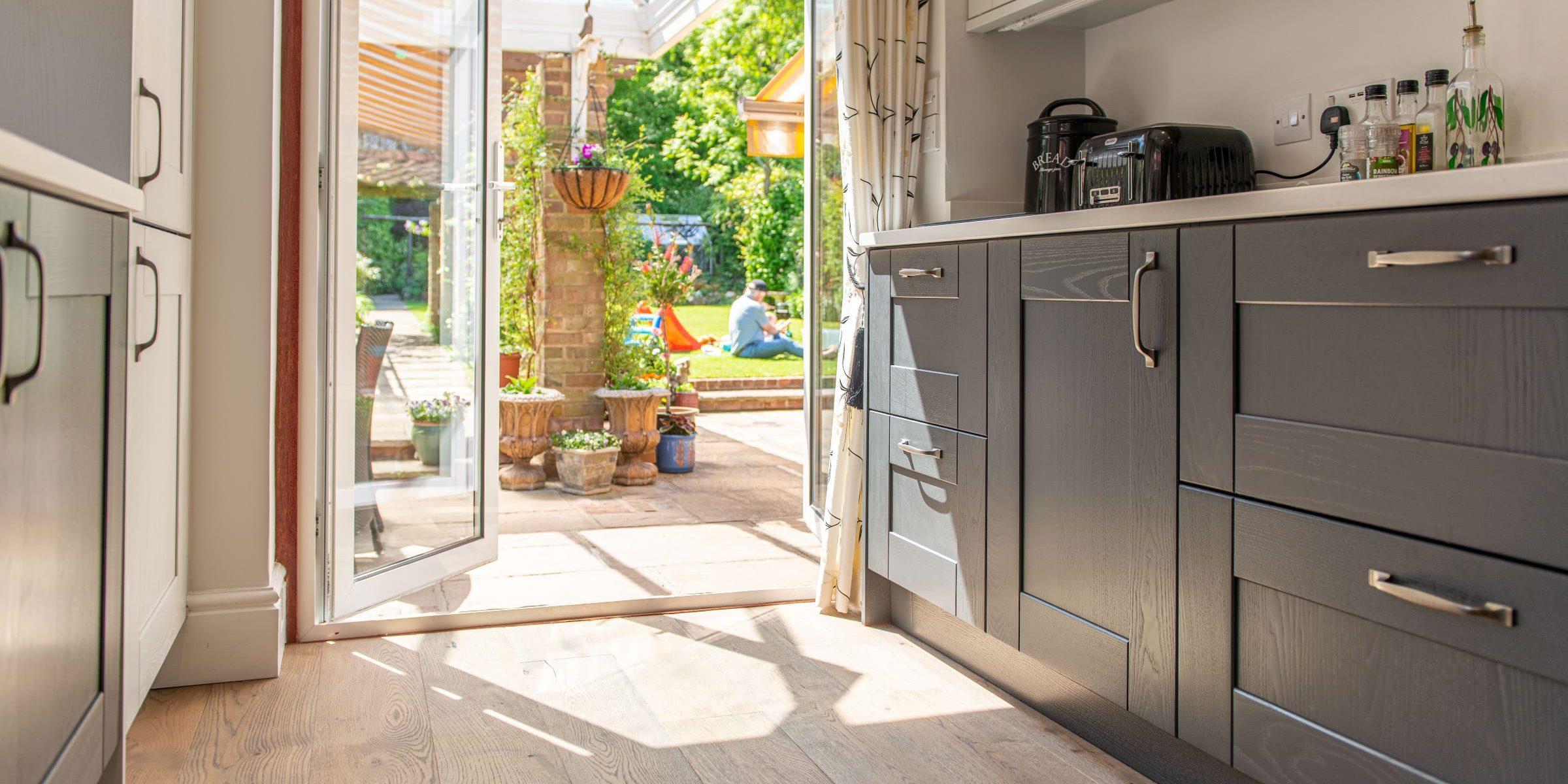 Deco frozen umber knaphill kitchen 10