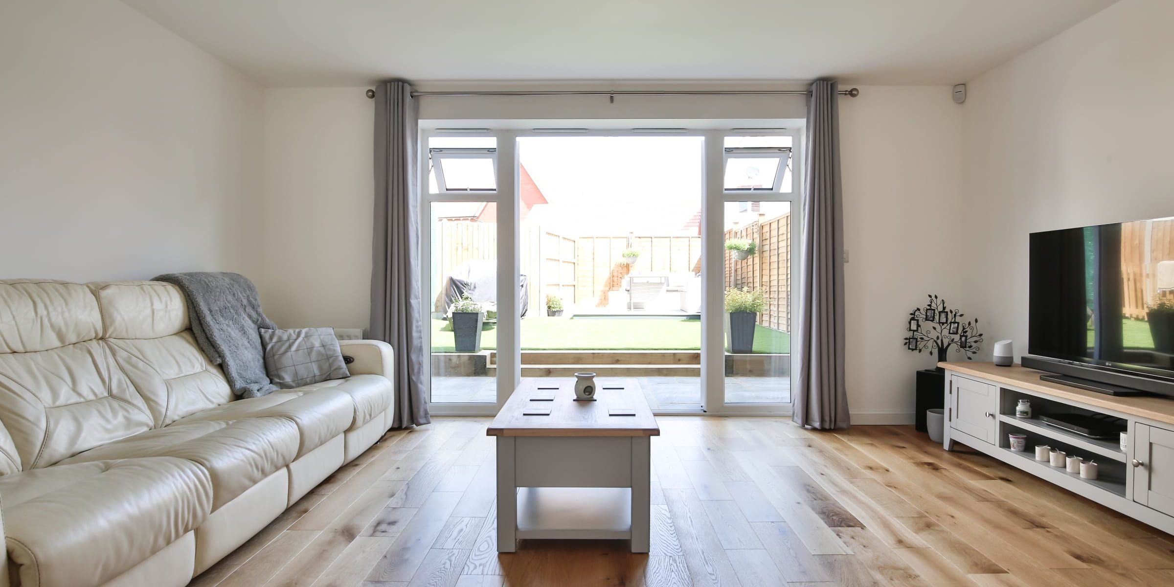 Swindon home with Eiger Petit wood floors 8