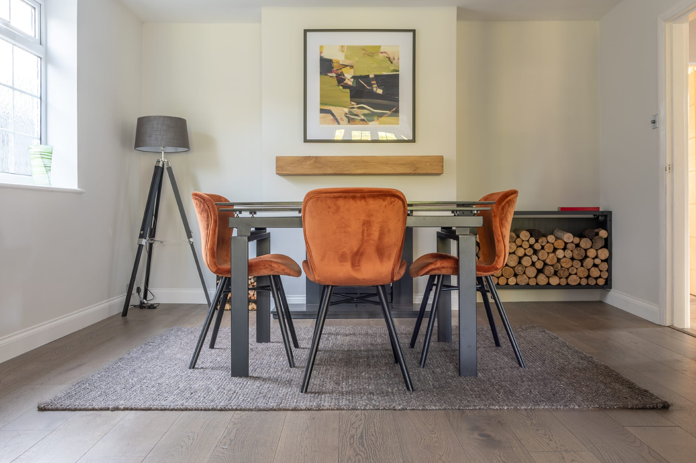 V4's Home Coldharbour floors in Woking dining room